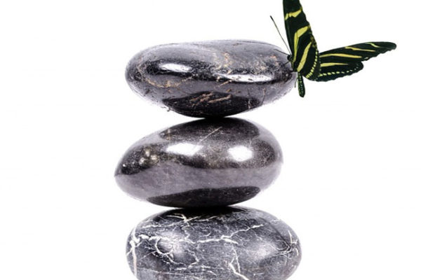 What to expect during a warm stone massage