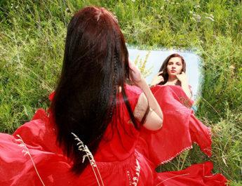 Girl's Best Friend, Mirror