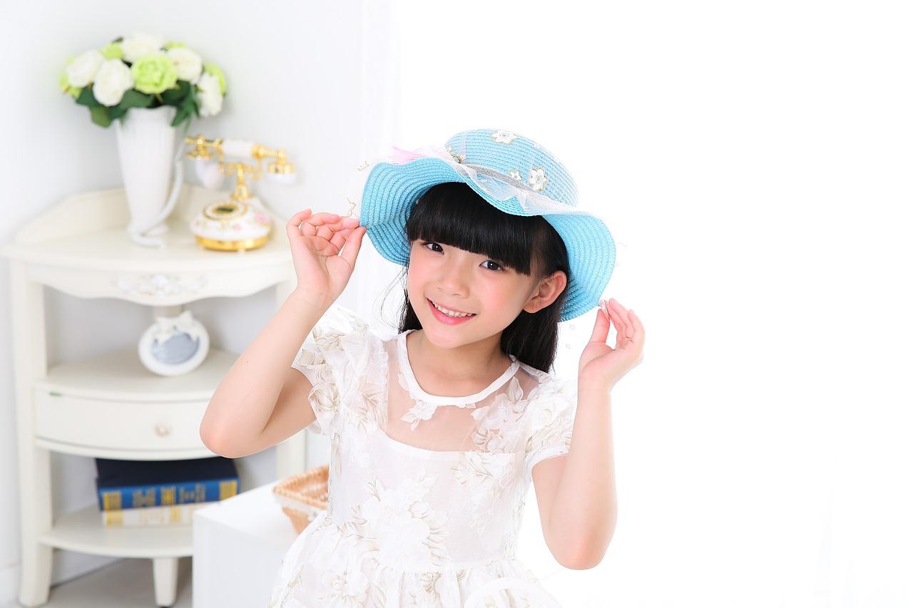 child-776607_1280