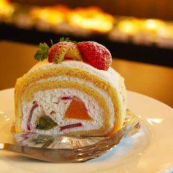 StrayBerry Cream Cake