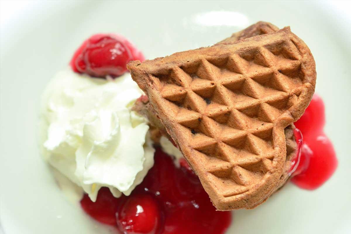 Cream with Chocolate waffle